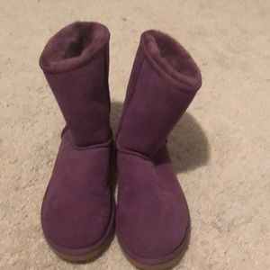 Bnwt ugg boot short purple majenta women's size 6